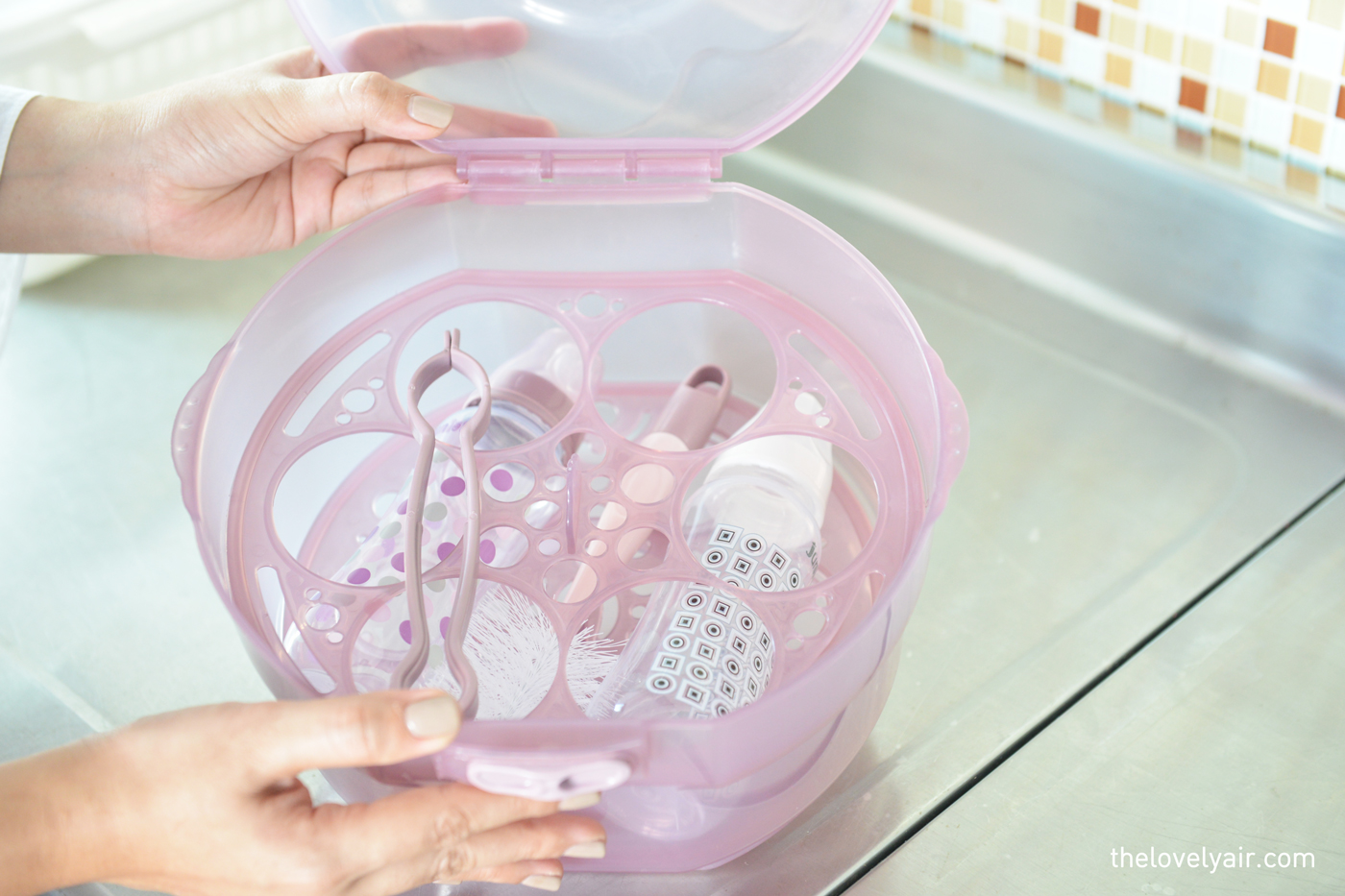 juniors-microwave-steam-steriliser-babyshop-2